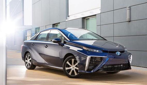 丰田将标配自动刹车系统