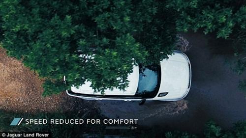 捷豹路虎的自动驾驶越野车:可适应泥泞障碍道路