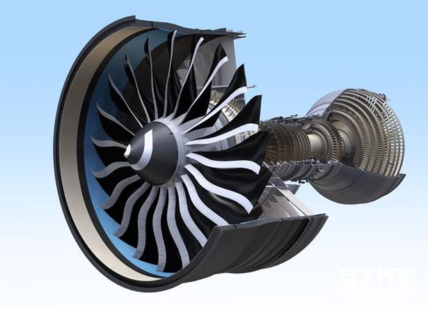 在汽车和航空领域,很多零部件和技术都是通用的,这也正所谓是触类旁通。在早期涡轮风扇发动机就曾广泛用于航空领域中,那涡轮风扇发动机是什么样的技术,它的由来和发展是怎么样的? 涡扇发动机全称为涡轮风扇发动机(Turbofan)是飞机发动机的一种,由涡轮喷气发动机(Turbojet)发展而成。 与涡轮喷气比较,主要特点是首级压缩机的面积大很多,同时被用作为空气螺旋桨(扇),将部分吸入的空气通过喷射引擎的外围向后推。发动机核心部分空气经过的部分称为内涵道,仅有风扇空气经过的核心机外侧部分称为外涵道。涡扇引擎最适