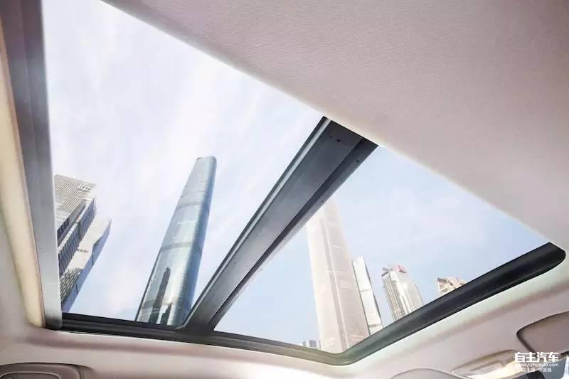 宝骏510全景天窗-6万多就能买到的高颜值SUV,实力够吸引么高清图片