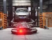全球首创的泊车机器人 中国最牛停车场引发世界围观