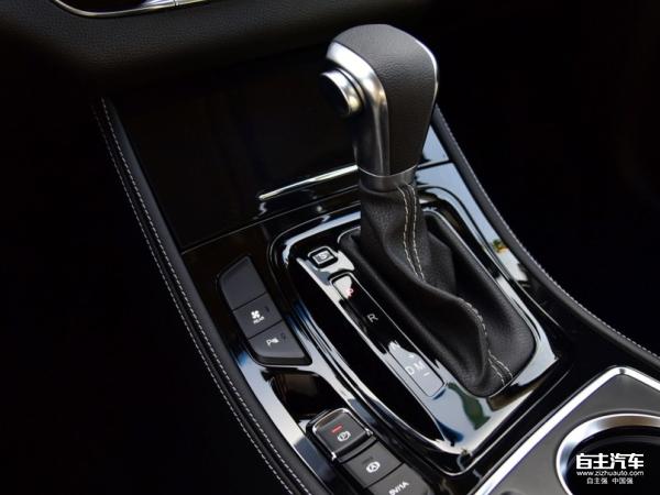 宝骏730自动挡正式上市 搭载6dct变速箱