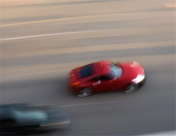 """自动挡汽车费油?这""""锅""""车不背,这才是驾驶自动挡的正确操作"""